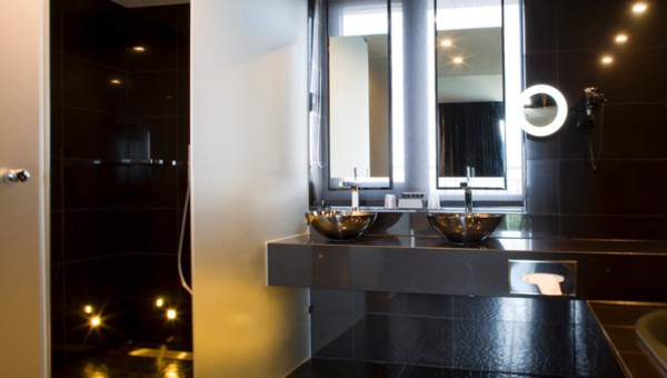 Whirlpool Bad Eindhoven : Penthouse suite ebenholz van der valk hotel eindhoven