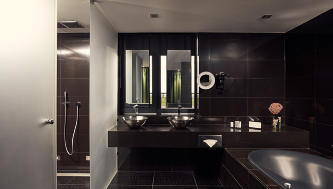 Penthouse Ebony Bathroom