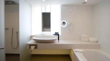 DeLuxe hotelkamer - mindervalide | Van der Valk Hotel Eindhoven